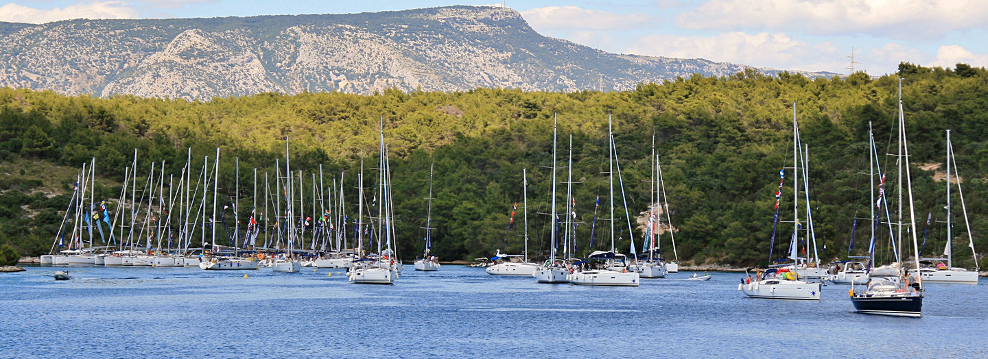 Flotilla at Tiha - Yachting for the Tinder Generation
