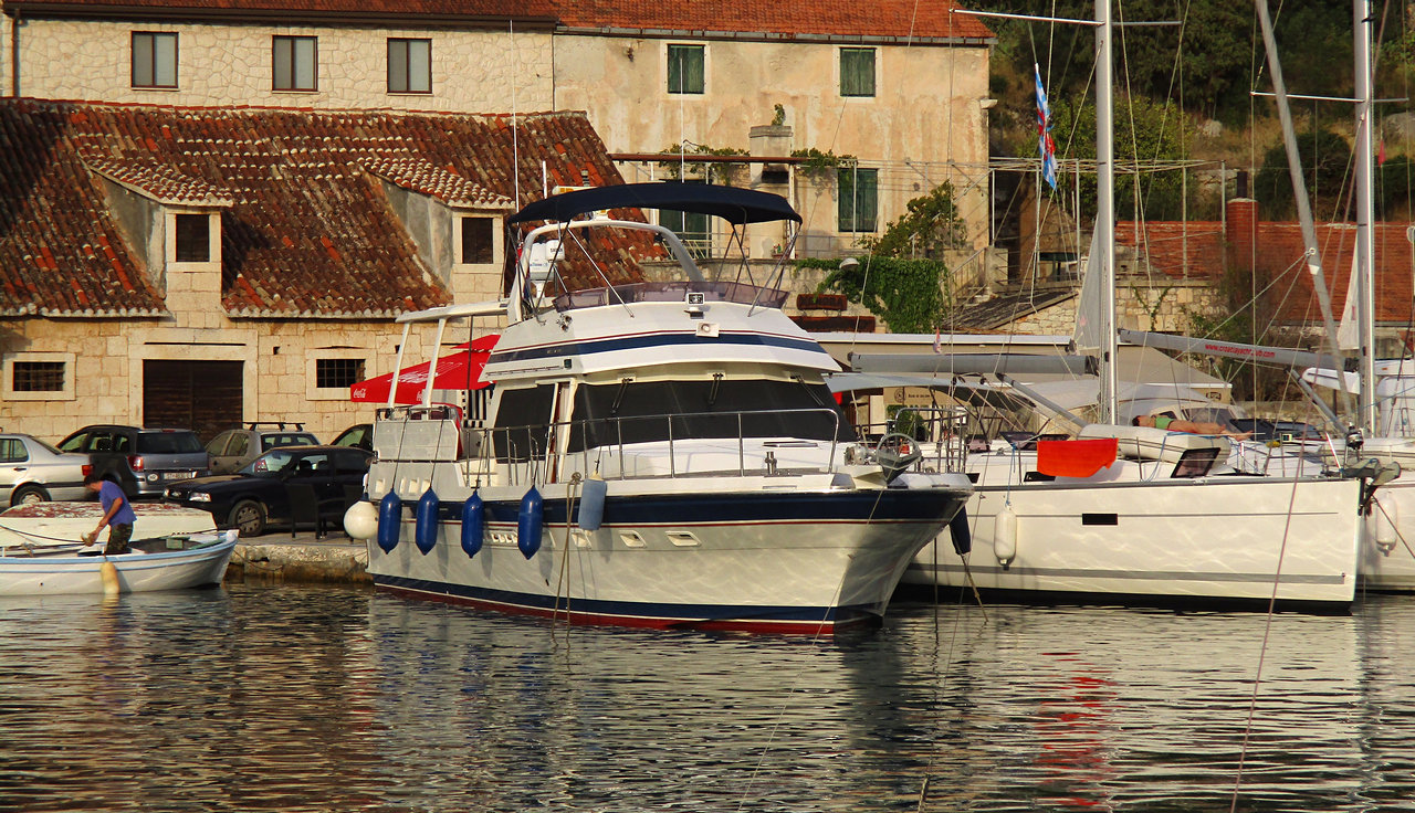 Tarilian moored at Bobisce, Brac, Sept.2016