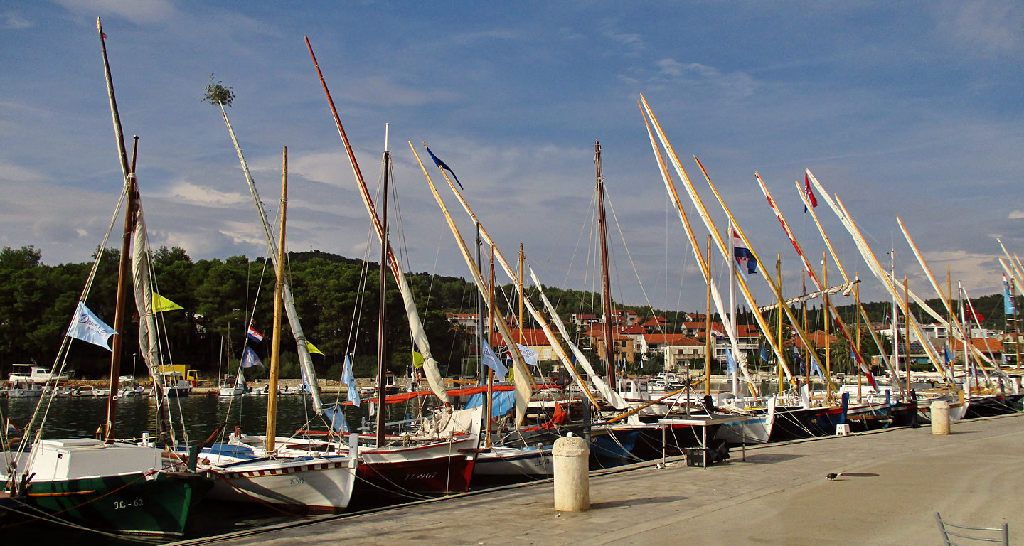 Vintage boats, Starigrad 2016-09-10 2400 years
