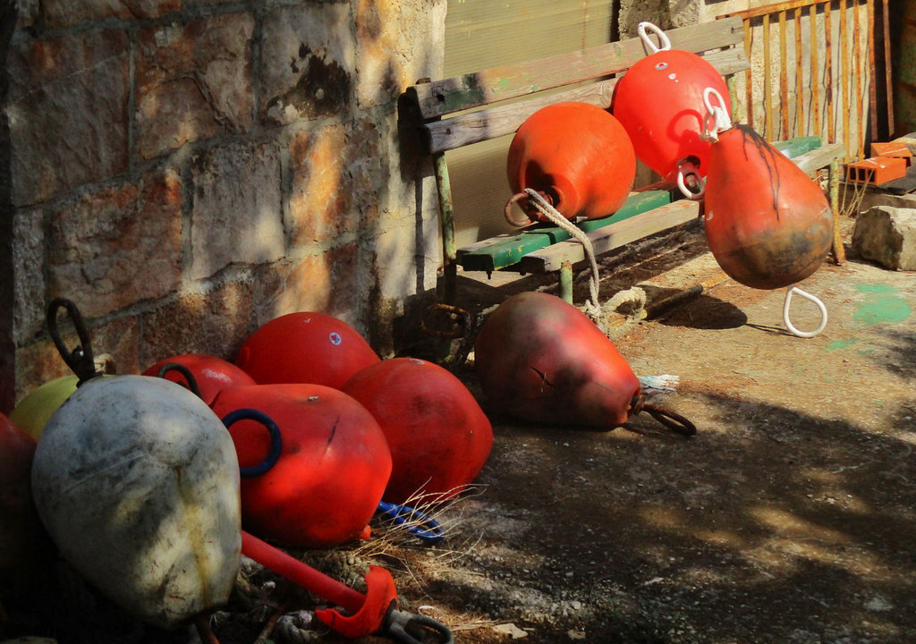 Stupica Vela - old buoys network